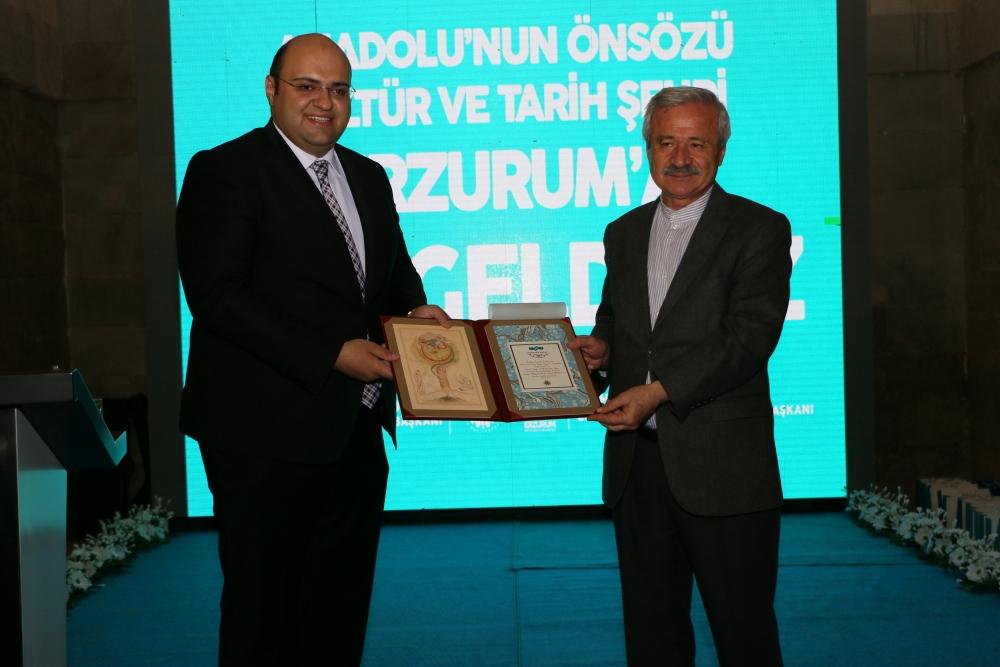 Erzurum'da Yılın Yazarları, Sanatçıları Ödül Töreni galerisi resim 4
