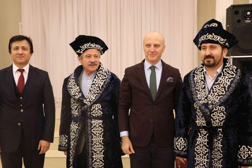Türkçenin 12. Uluslararası Şiir Şöleni Kazakistan'da Yapıldı galerisi resim 181