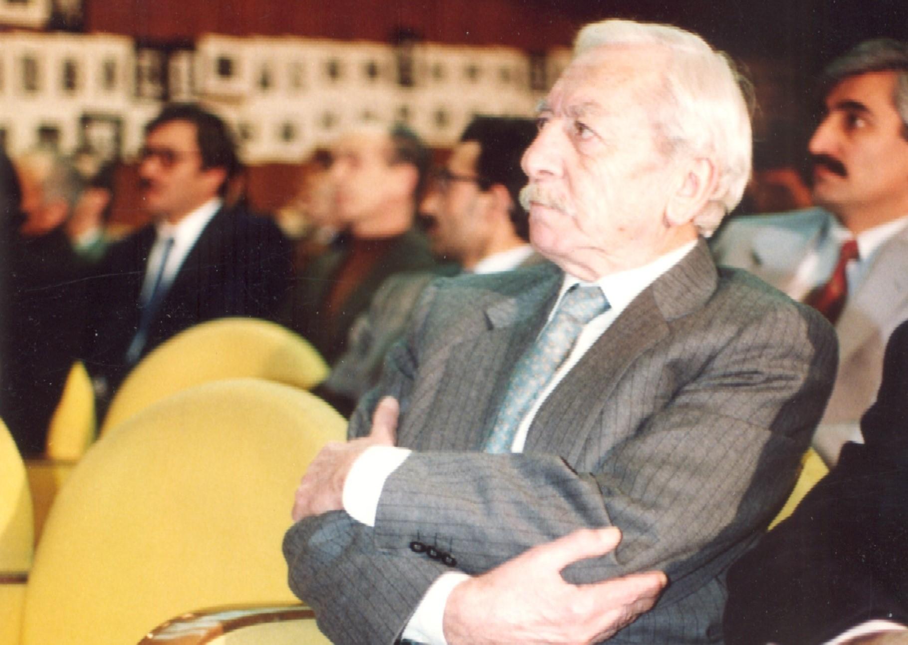 Tarık Buğra 100 yaşında! Rahmetle yâd ediyoruz!