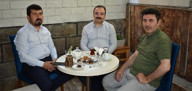 Bakan Yardımcısı Çataklı ve Rektör Karacoşkun TYB Başkanı Arıcan'ı ziyaret ettiler