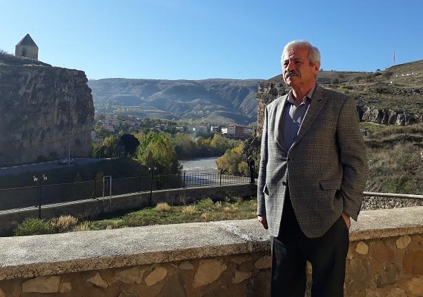 D. Mehmet Doğan: İç ülkeye seyahat: Oy dağlar, oy dağlar!