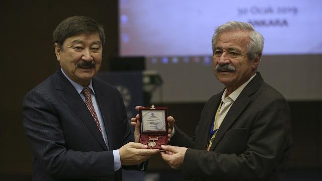 """""""Dünya Kültür Mirası ve Cengiz Aytmatov Yuvarlak Masa"""" toplantısı"""
