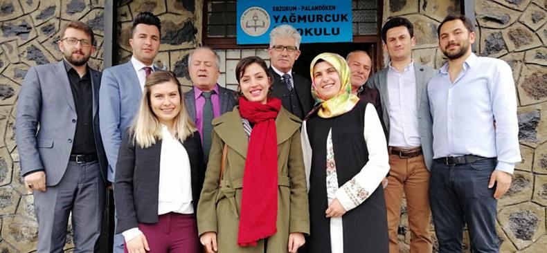 Erzurum Şubesi 2. kitaplığı Yağmurcuk İlkokulu'na kurdu