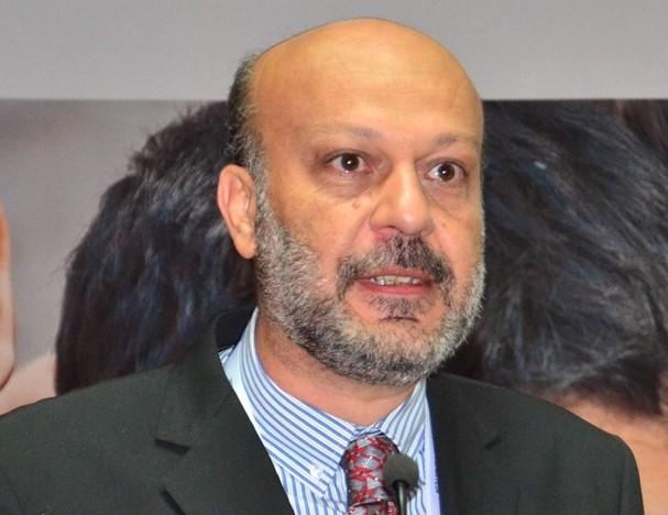 Mehmet Aysoy: Ahmed Avni Konuk'ta Bir Mesele Olarak Modern Bilim