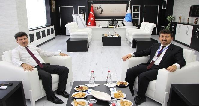 Genel Başkan Arıcan, Rektör Karacoşkun ile bir araya geldi