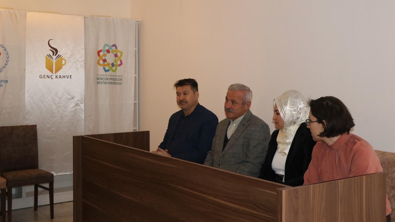 Cengiz Dağcı hayatını ve eserlerini Kırım'a adadı