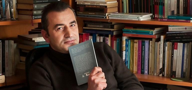 Şeref Bilsel, Edebiyattan Delilik Doğmayabilir Ama Delilikten Edebiyat Doğar