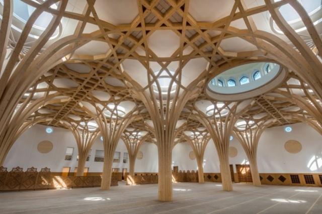 İngiliz tarzı İslam mimarisi: Cambridge Merkez Camii sırları