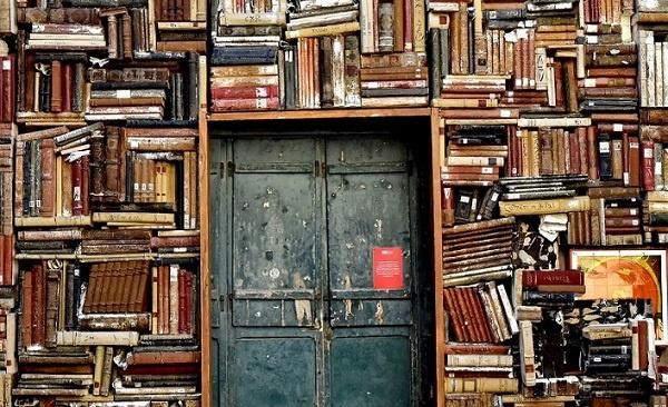 Bazı yayınevlerinin ilk kitapları