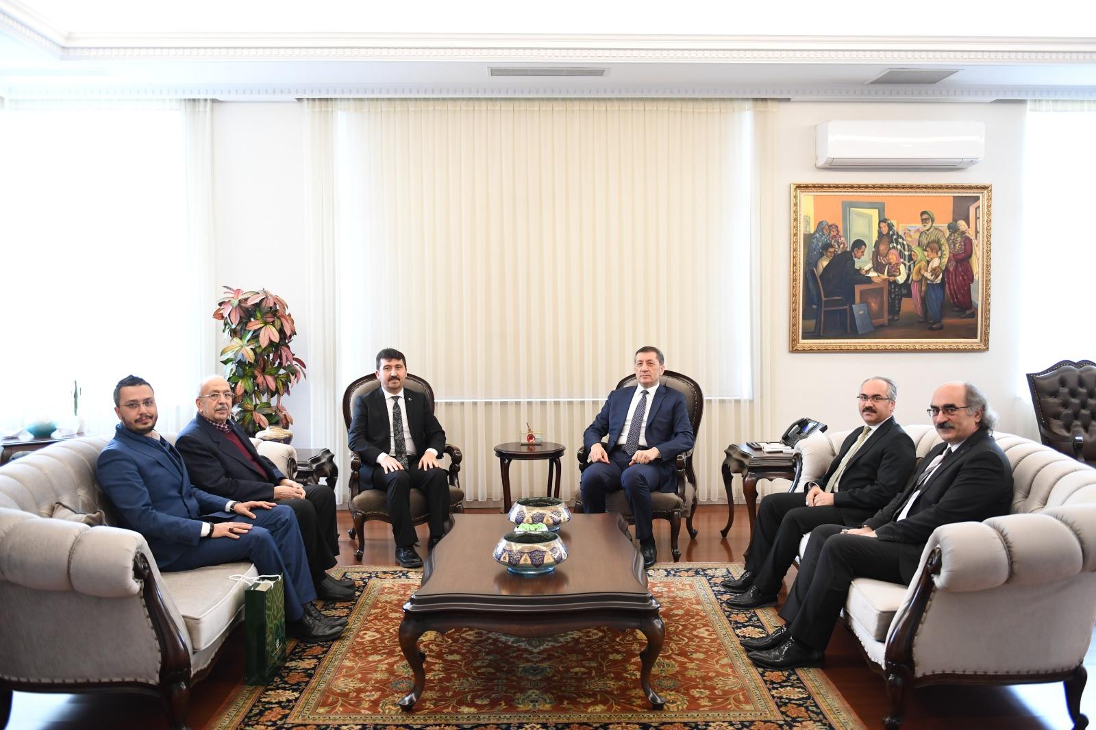 MEB Bakanı Selçuk: Türkçeye Büyük Önem Veriyoruz