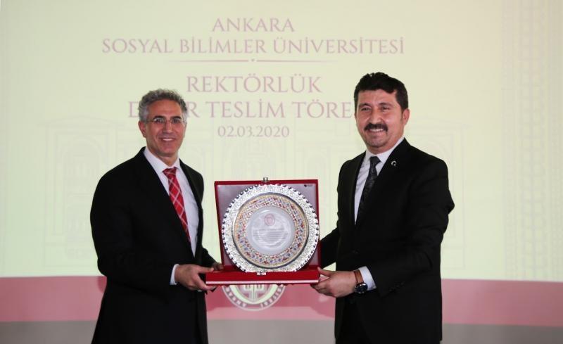 ASBÜ'de Rektörlük Devir Teslim Töreni Yapıldı