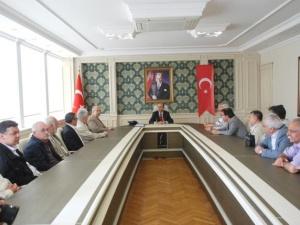 """""""Kültür Kervanı"""" Adıyaman Valisi Demirtaş'ı Ziyaret Etti"""