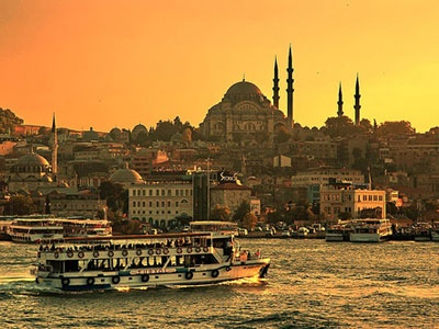 İstanbul Okuyuculara 10 Bin Yüzünü Gösterdi