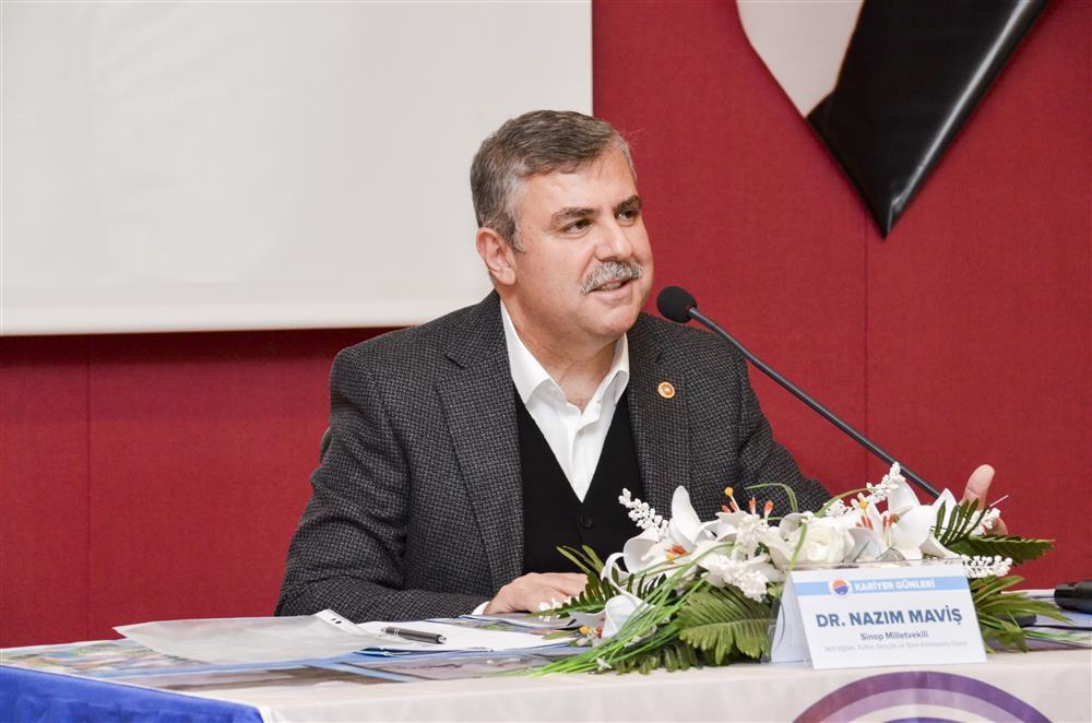 """Dr. Nazım Maviş: """"İslâmcılığın Değişen Dili: 1990'lı Yıllar ve Siyaset"""" Kitabını Anlattı"""