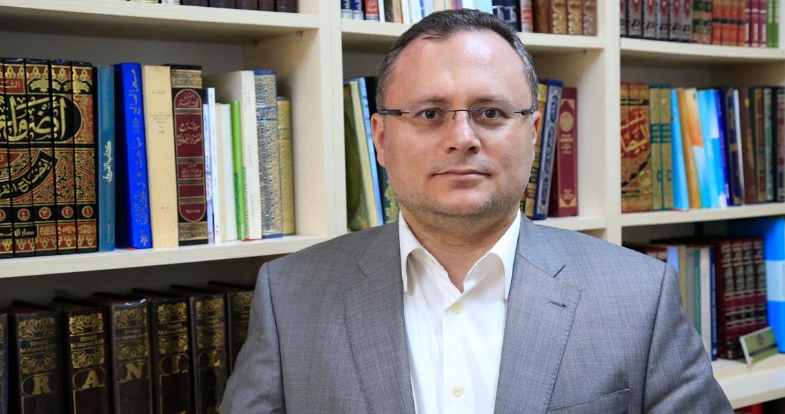 Celalettin Divlekci: Mehmet Âkif'i Gözden Düşürme Çabası