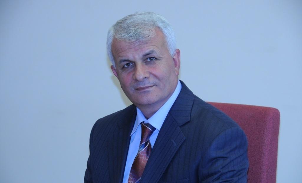 """Mahmut Erdemir: """"Camideki Şair Mehmed Âkif"""""""