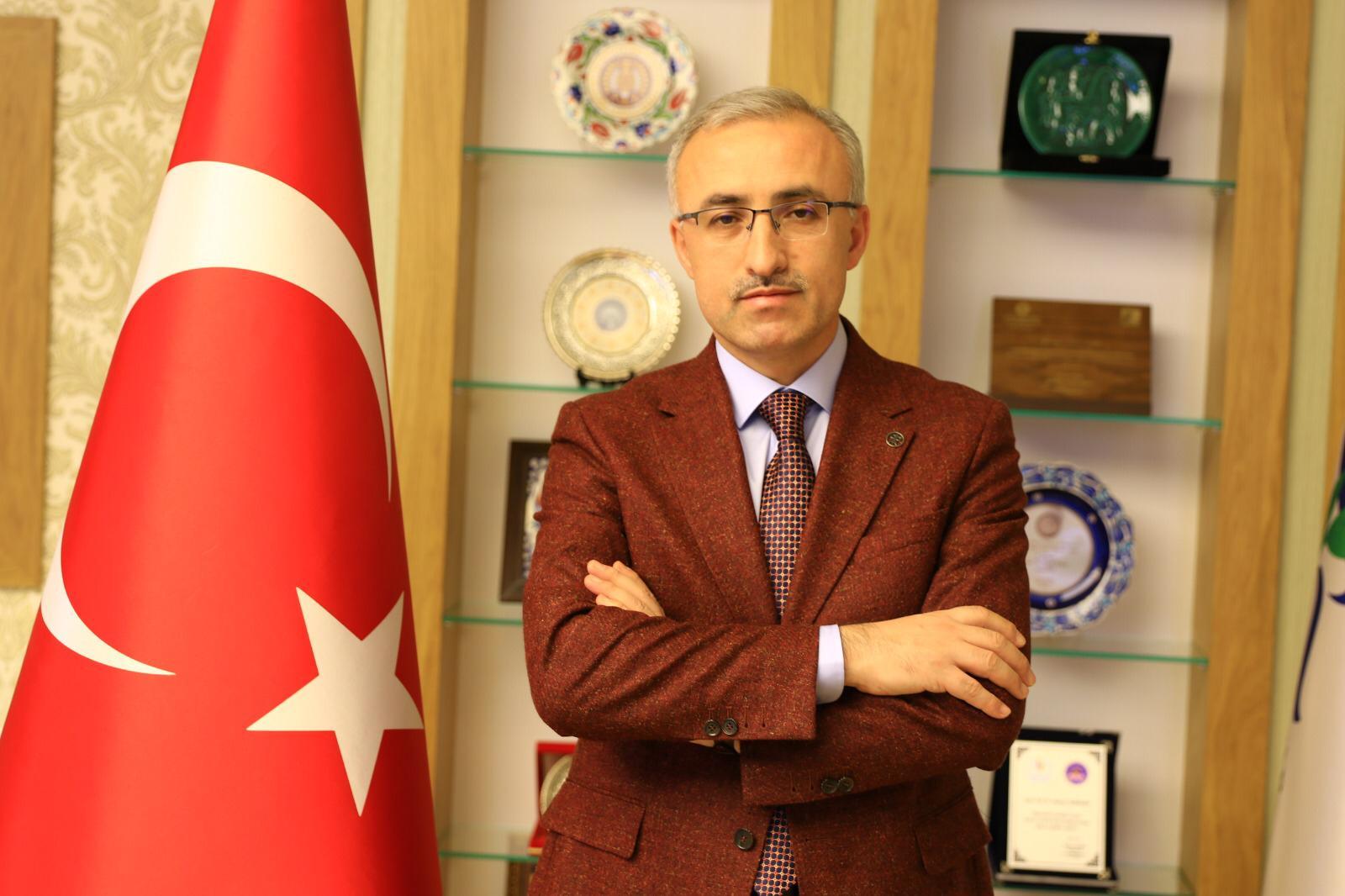 """Prof. Dr. Hüseyin Karaman """"İstiklâl Gençliği"""" Söyleşisinde Konuşacak"""
