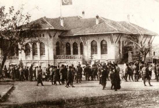 İstiklâl Marşı günlüğü: 1 Mart 1921 İstiklâl Marşı Meclis'te!