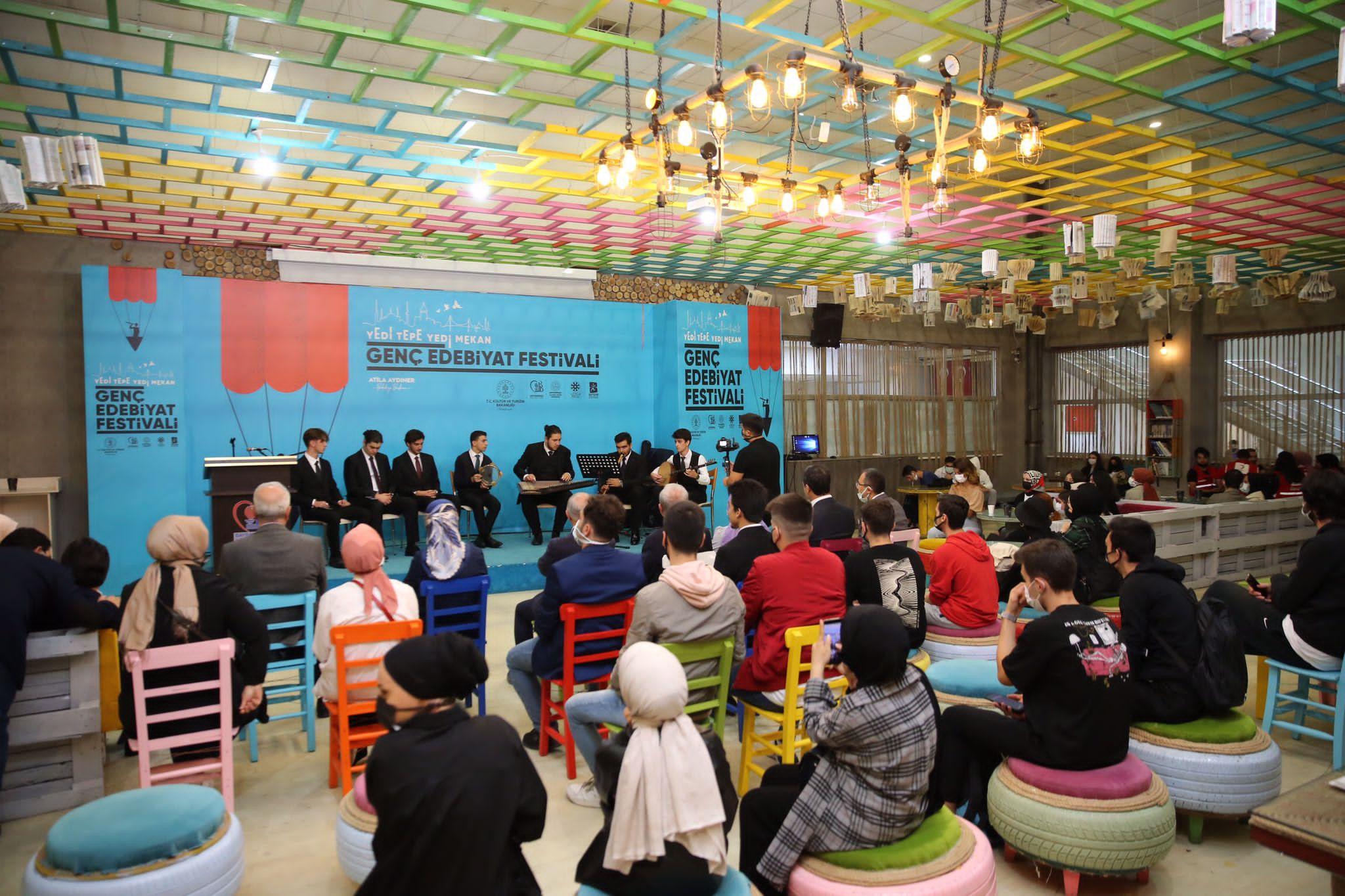 TYB İstanbul'dan Genç Edebiyat Festivali