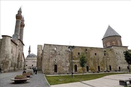 Sivas'ta Selçuklu rüzgârları