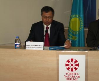 """""""Ülkeler ve Elçiler"""" Programı başladı: İlk konuk Kazakistan Büyükelçisi Tüymebayev Türkiye Yazarlar Birliği'ndeydi"""
