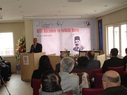 Türkiye Yazarlar Birliği'nin İlim Yayma Cemiyeti ile birlikte düzenlediği üç gün sürecek Milli Mücadele ve İstiklâl Marşı temalı Mehmed Âkif Ersoy 5.Bilgi Şöleni  başladı.