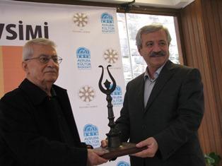Edebiyat Mevsimi ödülleri verildi