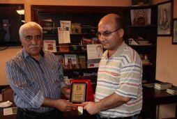 'Tahammül Şeridi' şiir ödülünü aldı
