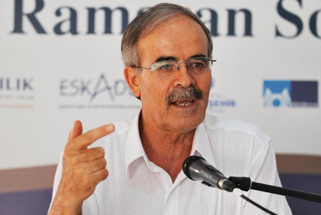 Ali Erkan Kavaklı: Ateizm ve deizm değirmenine su taşıyan ders kitapları