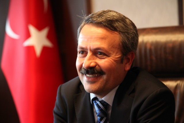 Mustafa Acar: Kifayetsiz Muhterislerin Can Simidi: Mantık Hataları