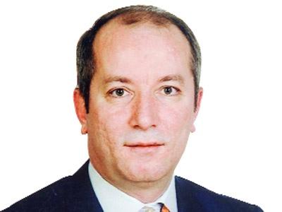 Mehmet Şeker: Paris sarıyken, Ankara yeşil kalamazmış