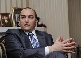 """Kosova Büyükelçisi """" Ülkeler ve Elçiler """" de"""