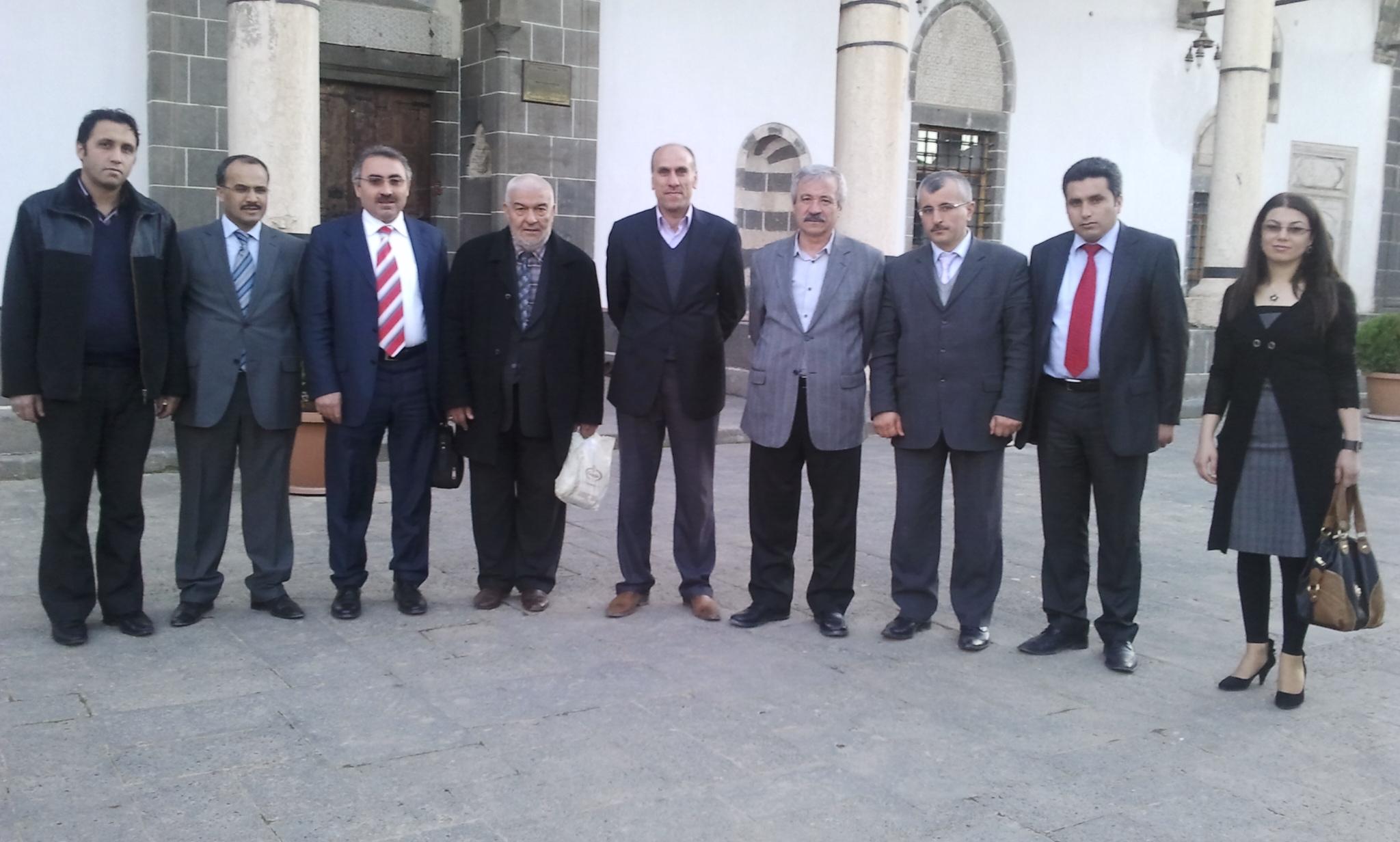 TYB Kurucu Başkanı ve TYB Vakfı Başkanı Mehmet Doğan Diyarbakır'daydı.