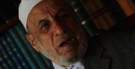 """İslam alimlerinden Halil Gönenç """"Cami dışında başka cemaatler oluşturup, ayrı namaz kılmak tefrikadır"""" dedi."""