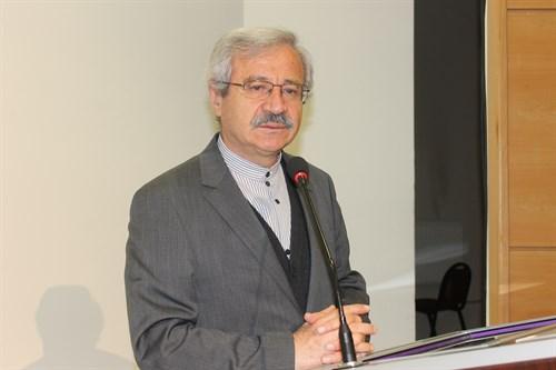 """D. Mehmet Doğan: """"Kâbe imamı""""nın arkasında namaz kılmak caiz mi?"""