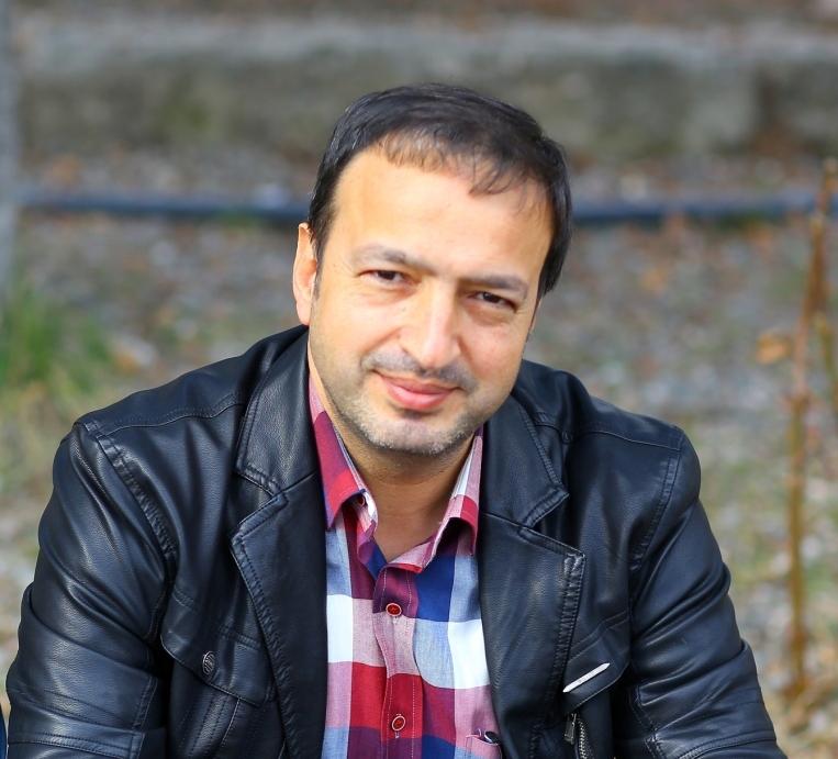 Mustafa Uçurum: Mehmet Âkif'e saldırma modası