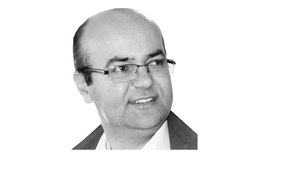 Ahmet Dur: 'Magazin Haberleri Kültür-Sanat Diye Yutturuluyor'