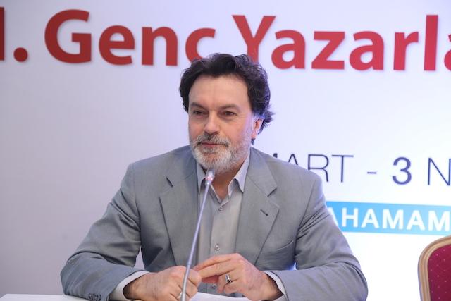 Prof. Dr. Hicabi Kırlangıç: Türk şiiri Arap şiirinden, Arap şiiri Fars şiirinden habersiz