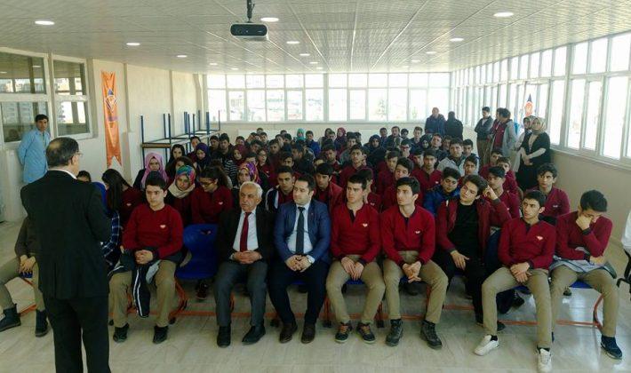 Siirt Hedef Anadolu Lisesinde Gazetecilik Konferansı