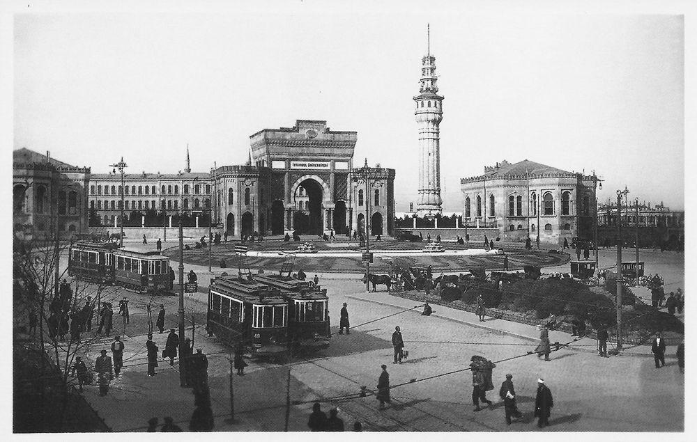 İstanbul'un Tahrip Edilen Talihsiz Bir Köşesi: Beyazıt Meydanı