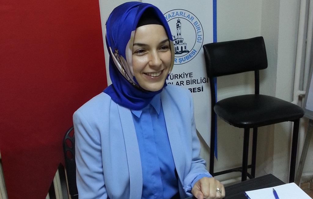 """İzmir Şubesinde """"Türk Edebiyatında Peygamber Sevgisi"""" Konuşuldu"""
