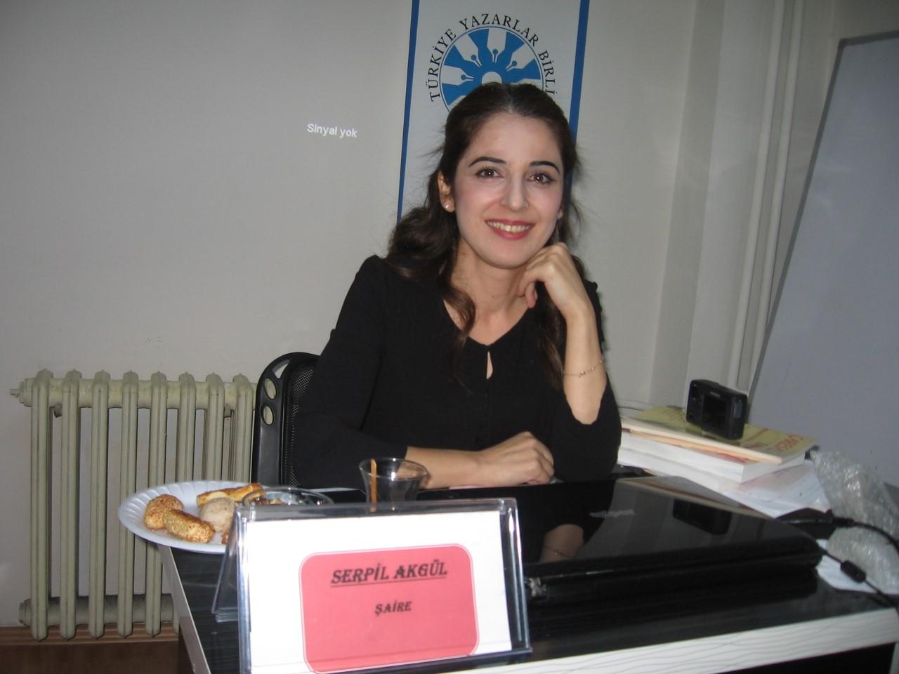 """İzmir'de """"Divan Edebiyatında Gül"""" Konuşuldu"""