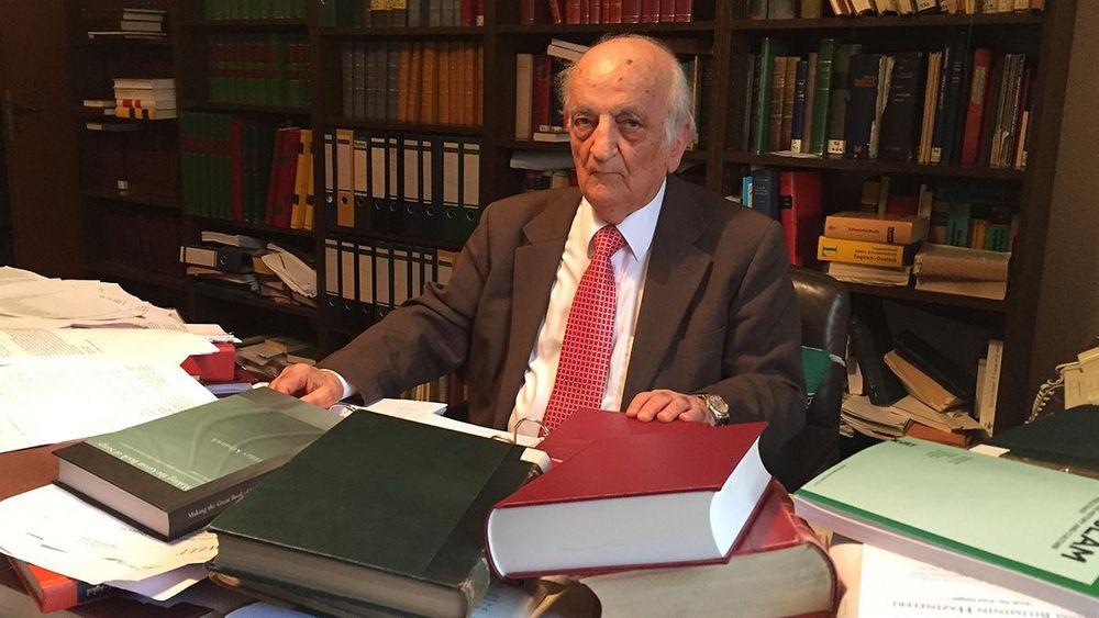Fuat Sezgin'in Kütüphanesinin Türkiye'ye Getirilmesine Engel Üstüne Engel