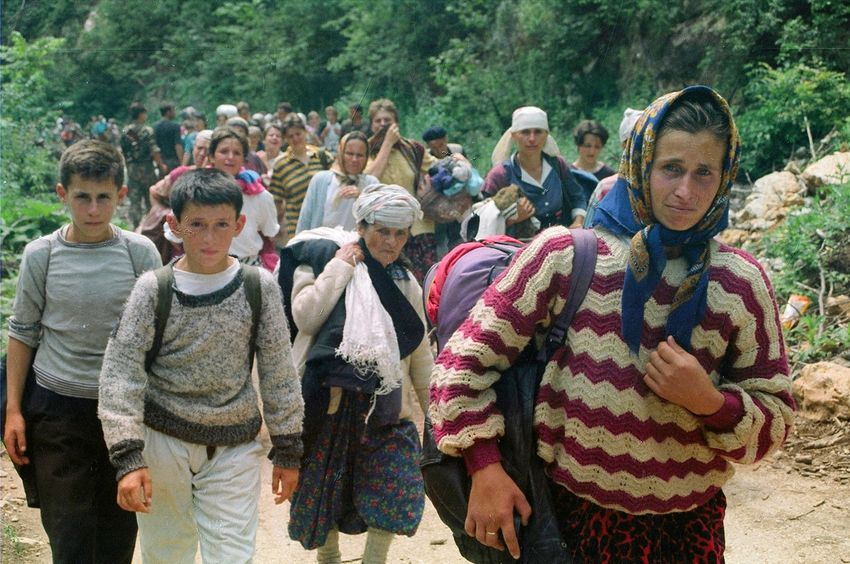 Çocukların Gözünden Bosna Savaşı: Ve Sonra Ateş Etmeye Başladılar