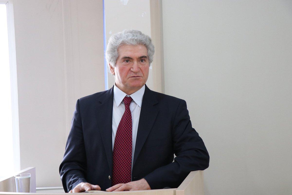 Prof. Dr. Nâzım H. Polat: Edebiyat Tarihçiliği ve Prof. Dr. M. Orhan Okay