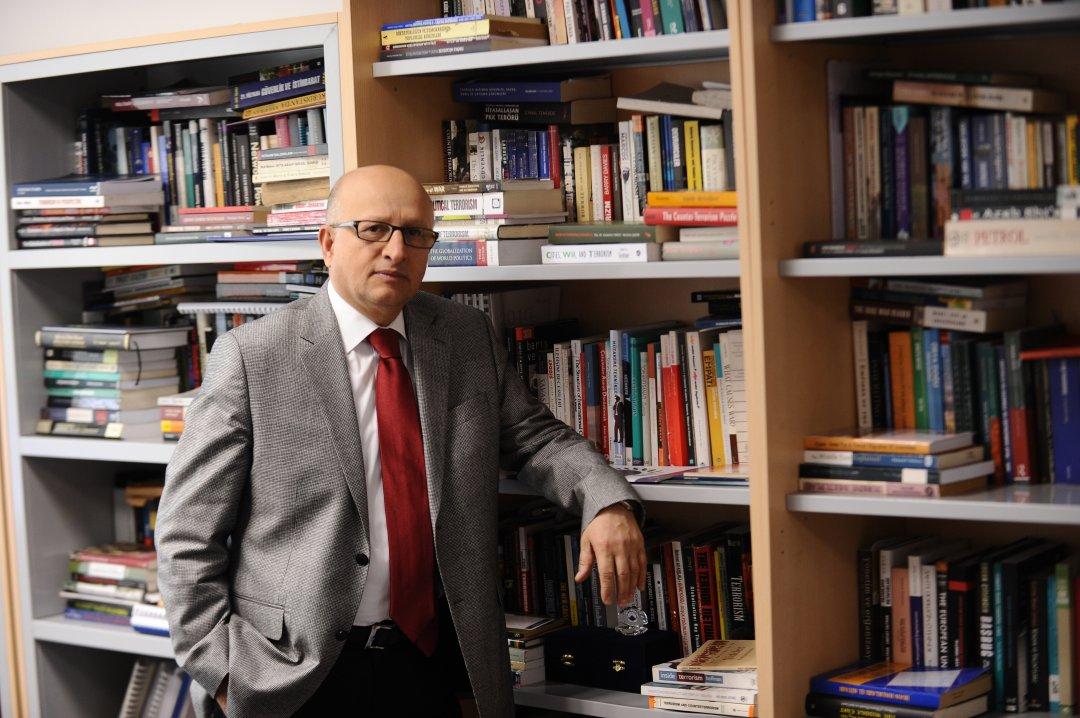 Nihat Ali Özcan: TSK'nın on buçuk 'savaşı'
