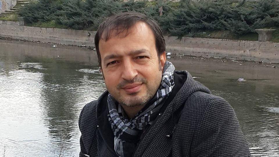 Mustafa Uçurum: Dost Dostu Isırmaz