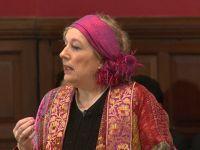 Yvonne Ridley: Putin büyük elmanın peşinde