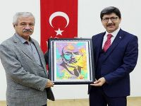 """""""Hakkın Sesi Mehmet Akif"""" Temalı Konferans Düzenlendi"""