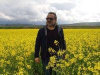 Mustafa Süs: Ödünç Hayatlar